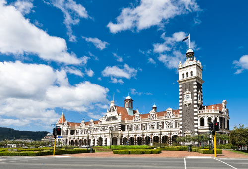 Photo:  Dunedin Railway Station, Nuova Zelanda