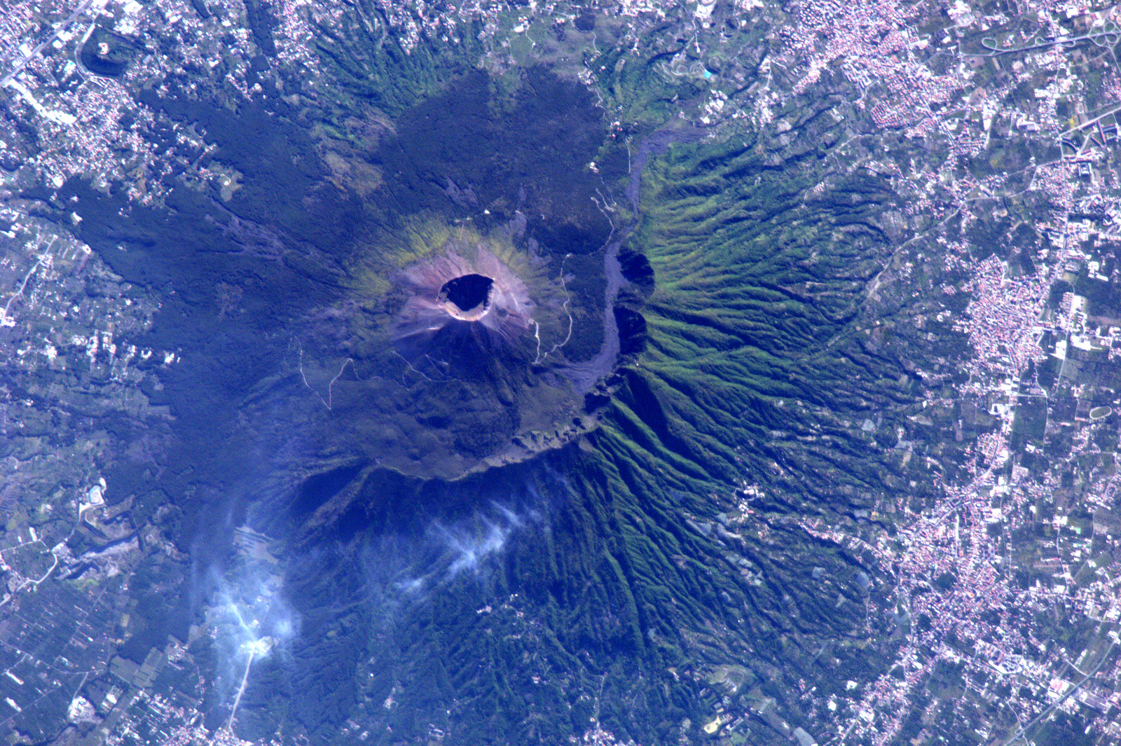 Photo:  Vesuvio Italy aerial view