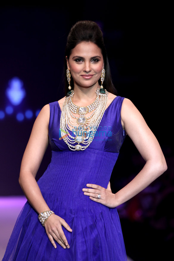 Photo:  Miss Universe 2000 Lara Dutta, India