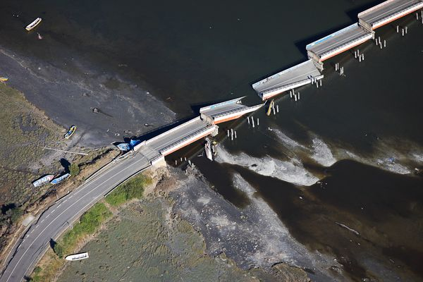 Photo:  Chile earthquake , aerials bridge collapse