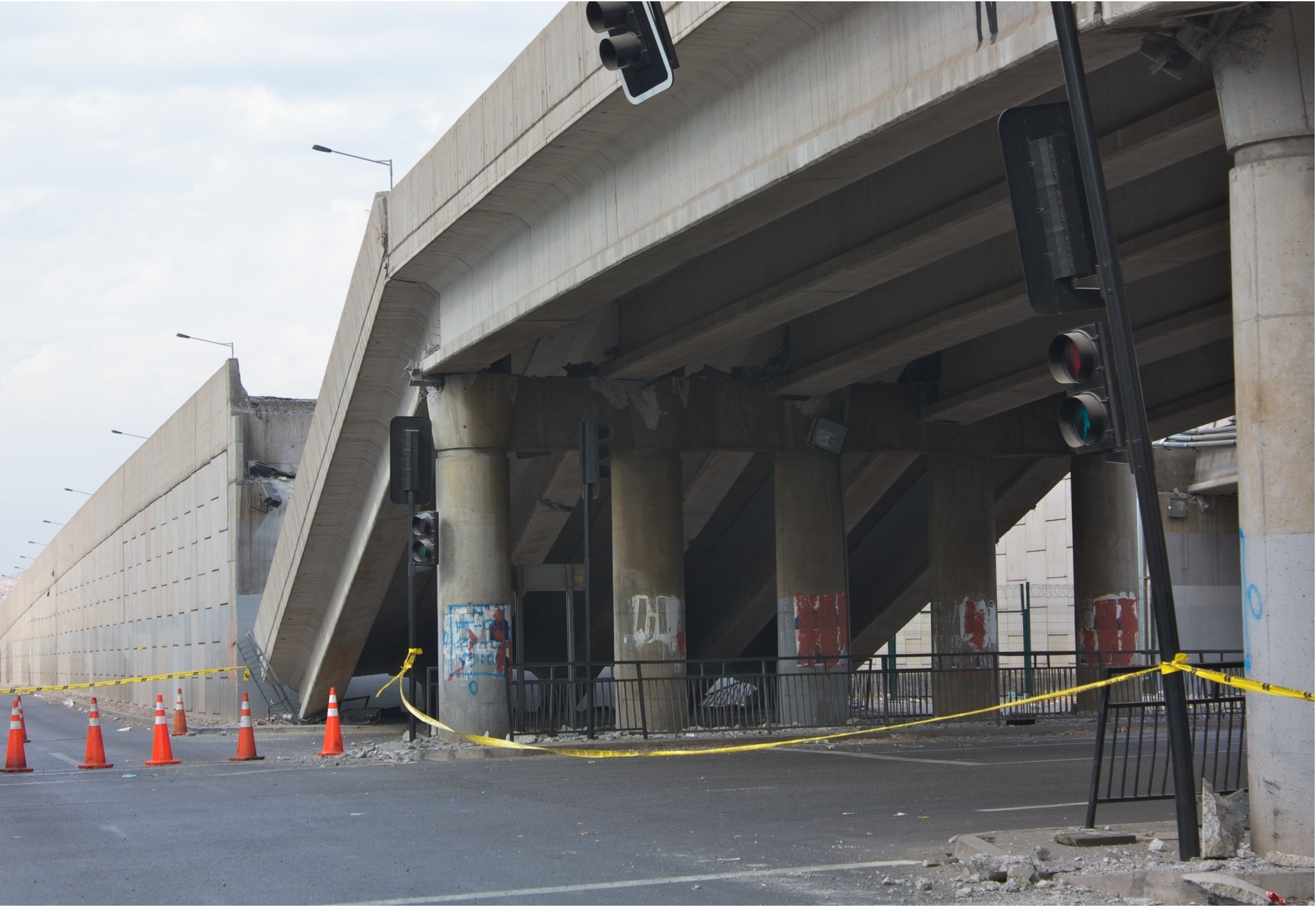 Photo:  Chile earthquake, Collapsed bridge in Vespucio Norte
