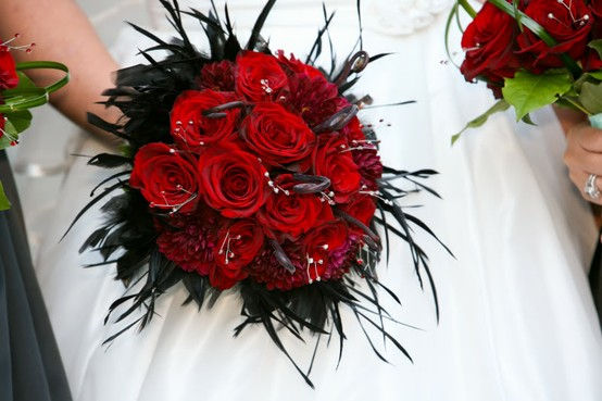 Photo:  glitter, red roses and black feathers