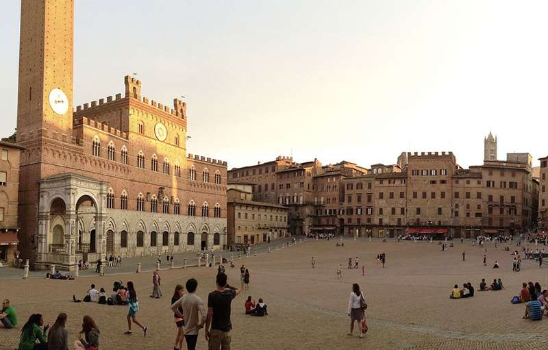 Photo:  piazza