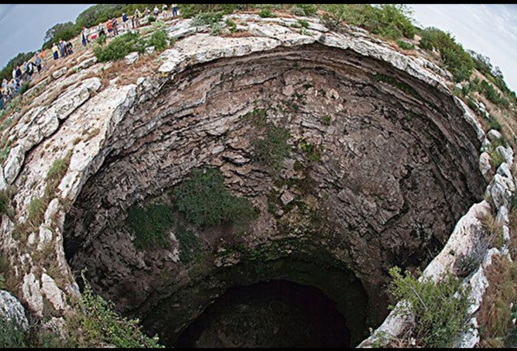 Photo:  Devils Sinkhole, Texas