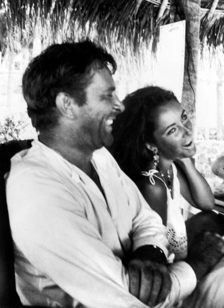 Photo:  Richard Burton and Elizabeth Taylor 12
