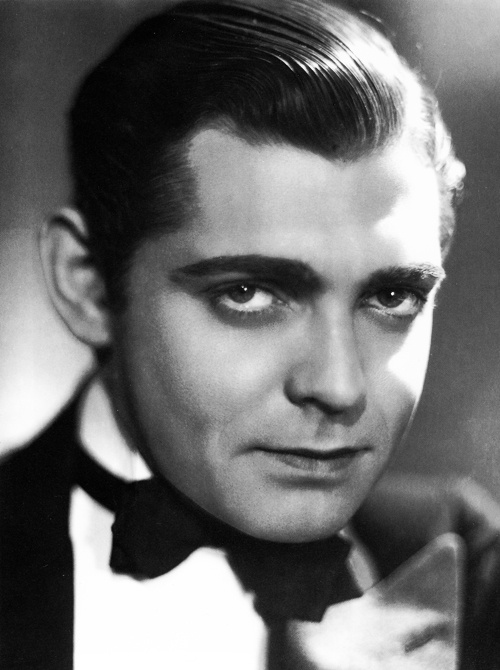 Photo:  Clark Gable without moustache