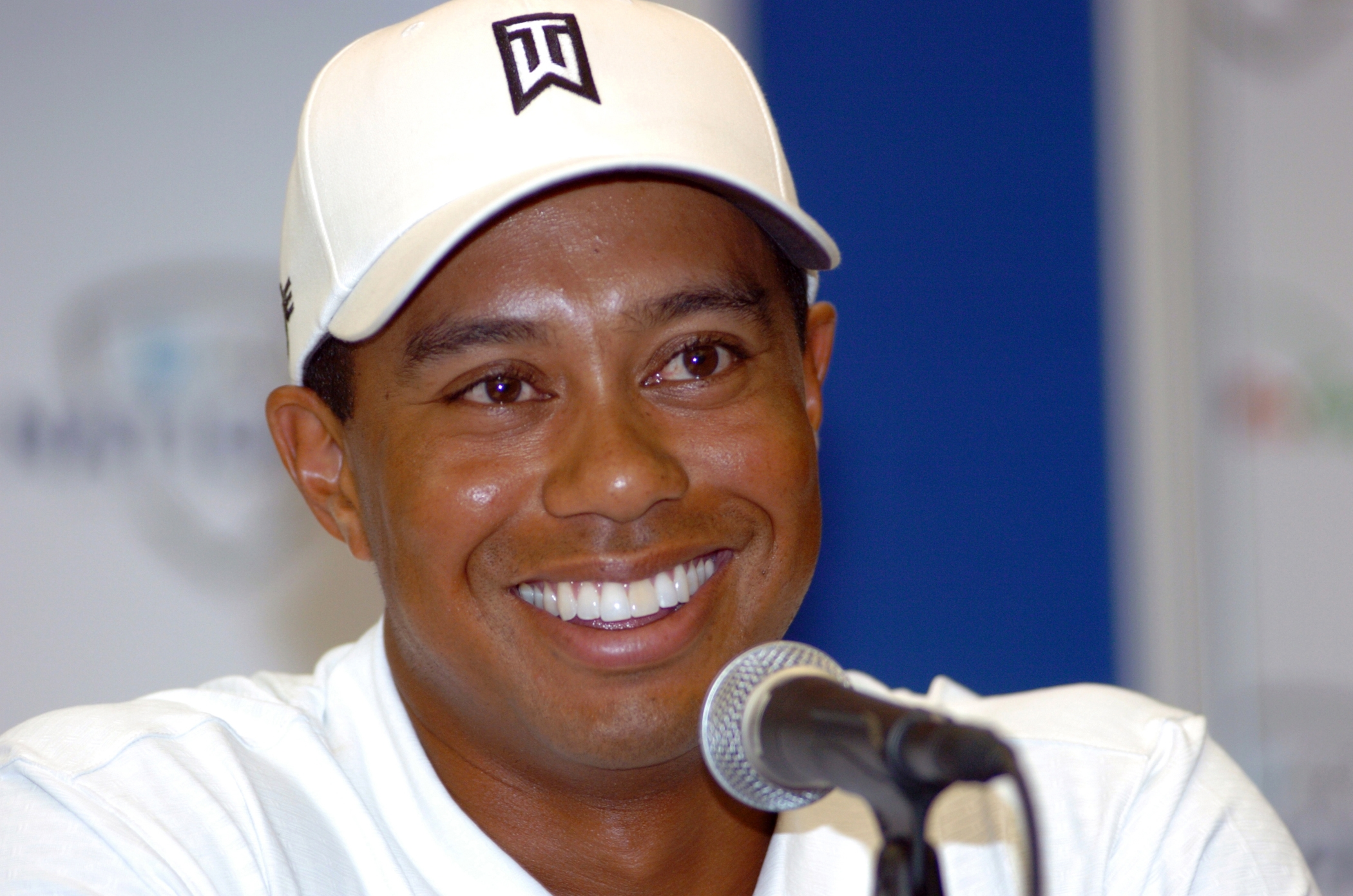 Photo:  Tiger Woods 03