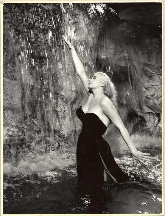 Photo:  Anita Ekberg 02