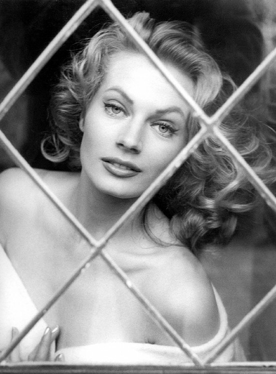 Photo:  Anita Ekberg 03