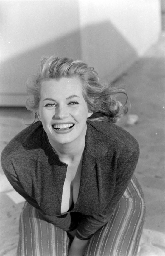 Photo:  anita ekberg 10
