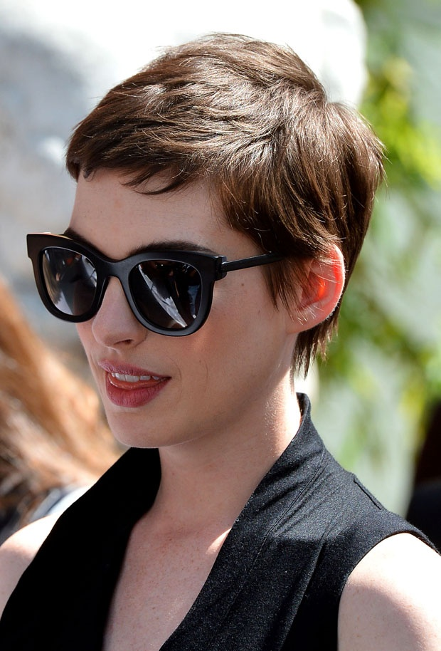 Photo:  Anne Hathaway 02