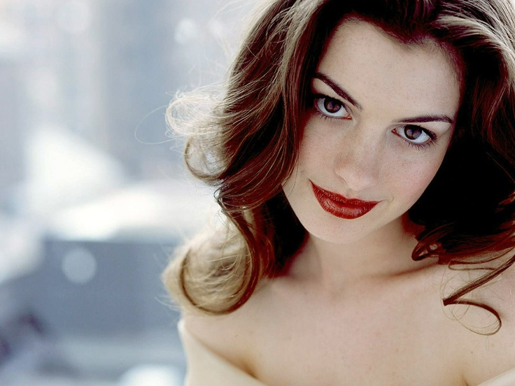 Photo:  Anne Hathaway 08