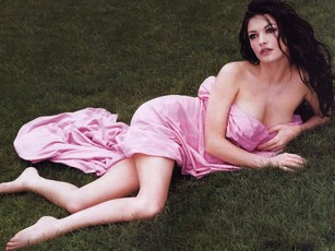 Photo:  Catherine Zeta Jones 25