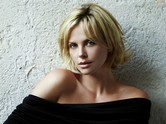 Photo:  Charlize Theron 03