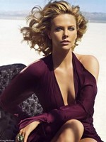 Photo:  Charlize Theron 07
