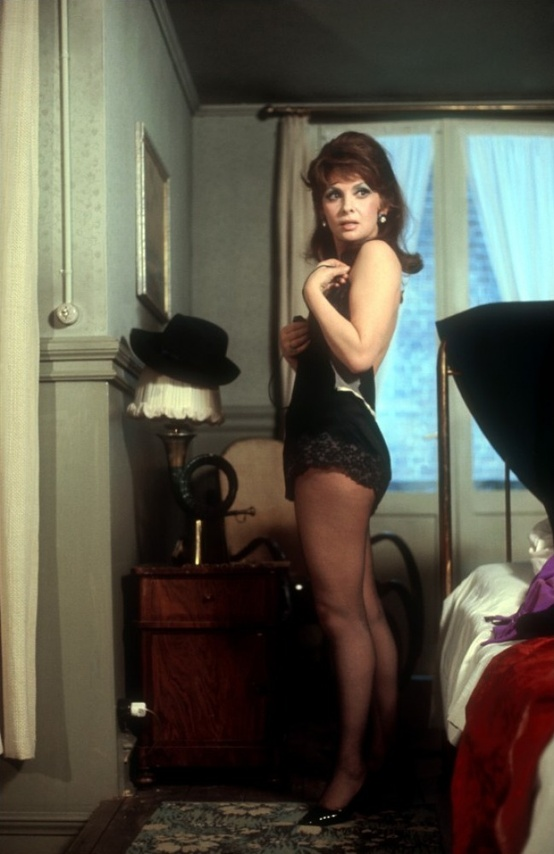 Photo:  Gina Lollobrigida dans 'King, queen, knave' 1972