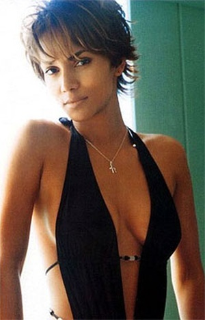 Photo:  Halle Berry 01
