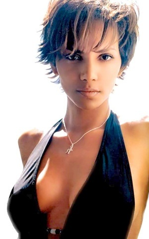 Photo:  Halle Berry 08
