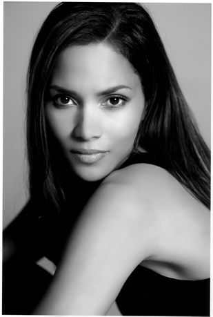 Photo:  Halle Berry 10