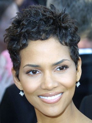 Photo:  Halle Berry 11