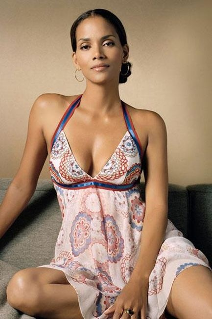 Photo:  Halle Berry 14