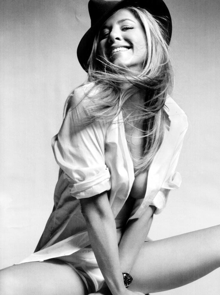 Photo:  Jennifer Aniston 12