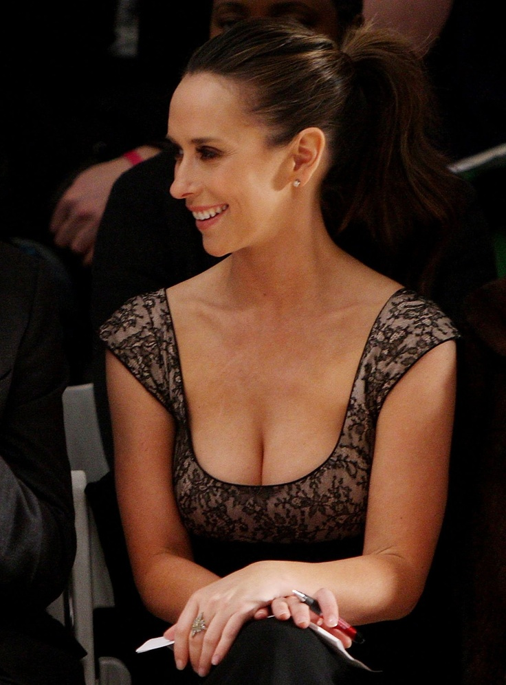 Photo:  Jennifer Love Hewitt 10