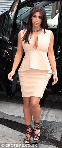 Photo:  Kim Kardashian 02