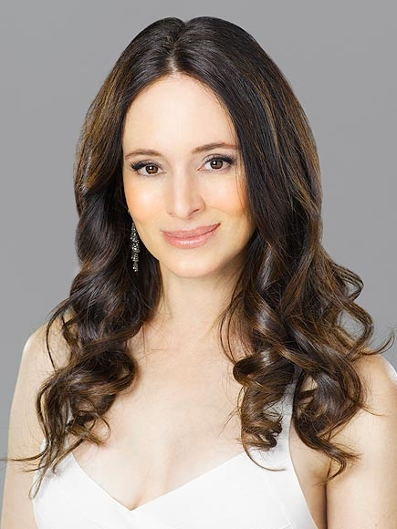 Photo:  Madeleine Stowe 01