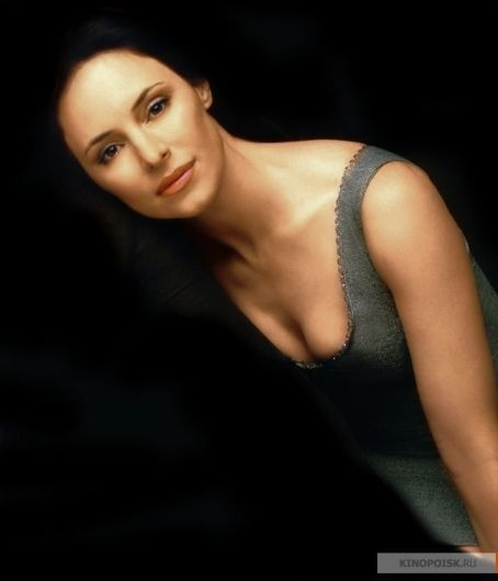 Photo:  Madeleine Stowe 10