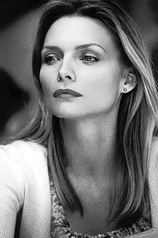 Photo:  Michelle Pfeiffer 10