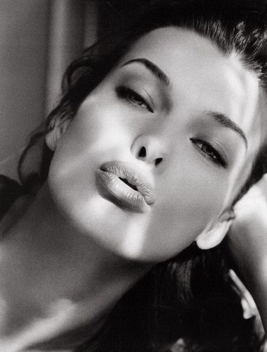 Photo:  Milla Jovovich 02