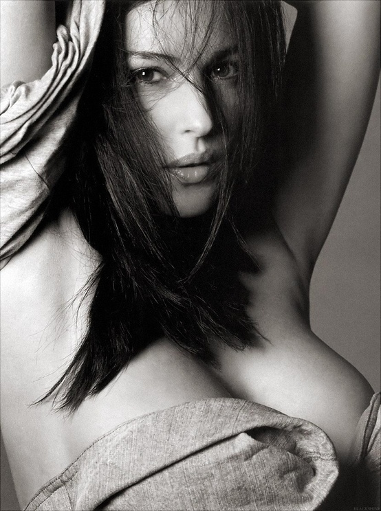 Photo:  monica bellucci 05