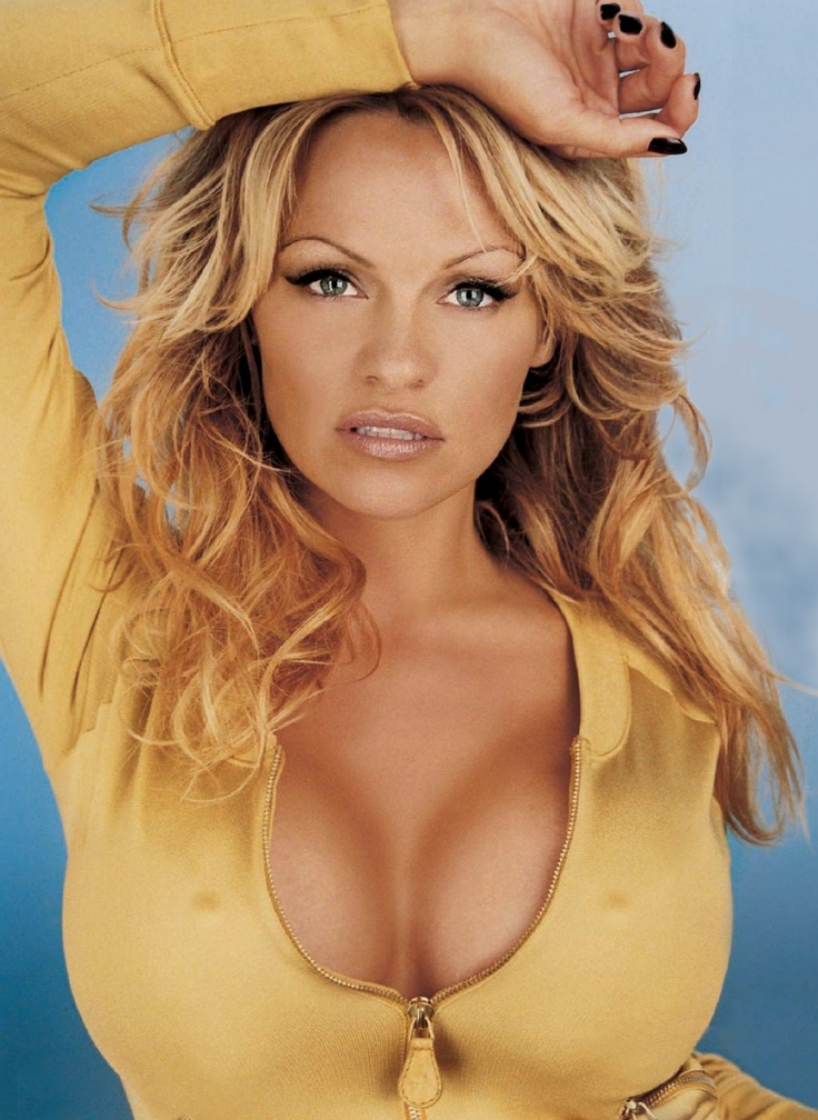 Photo:  Pamela Anderson 02