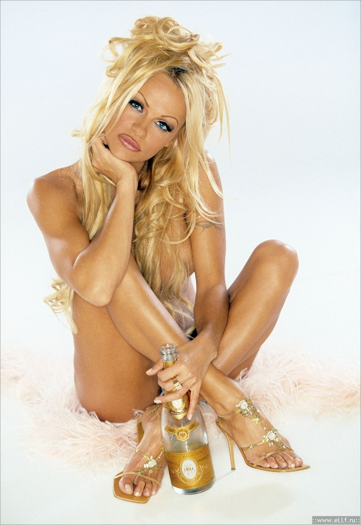 Photo:  Pamela Anderson 06
