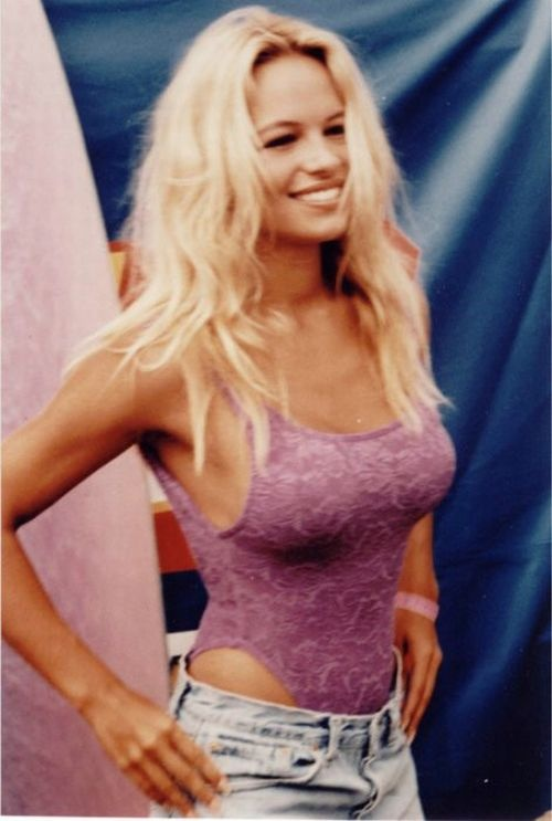 Photo:  Pamela Anderson 10