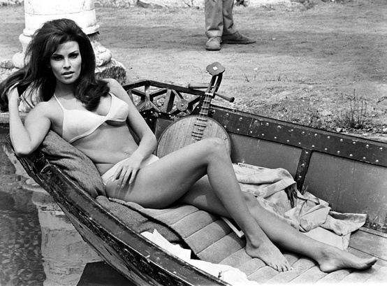 Photo:  Raquel Welch 02