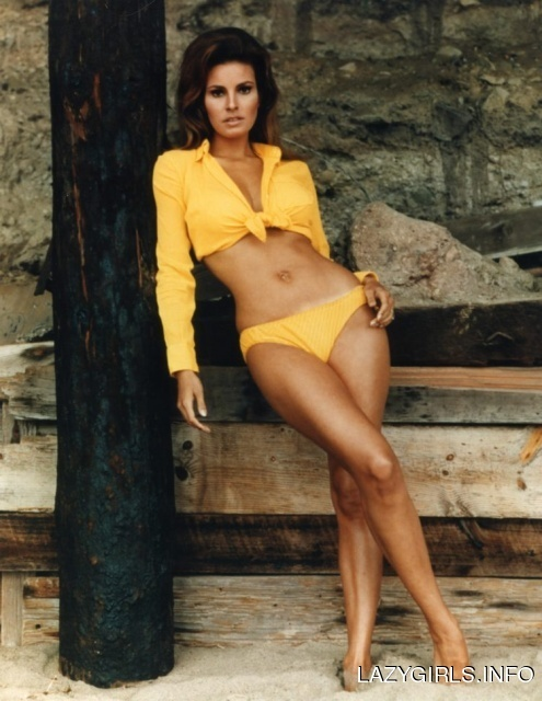 Photo:  Raquel Welch 10
