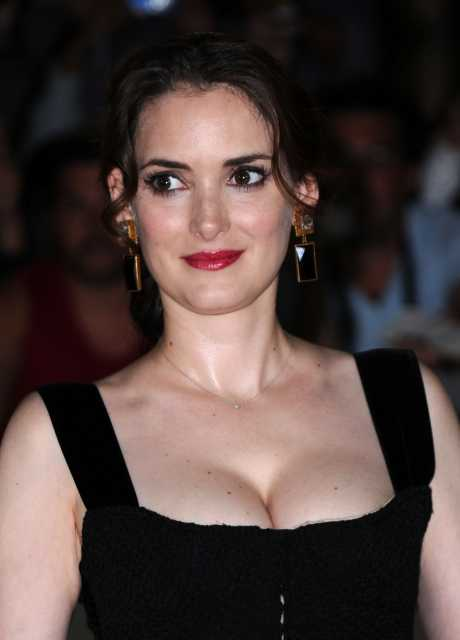 Photo:  Winona Ryder 05