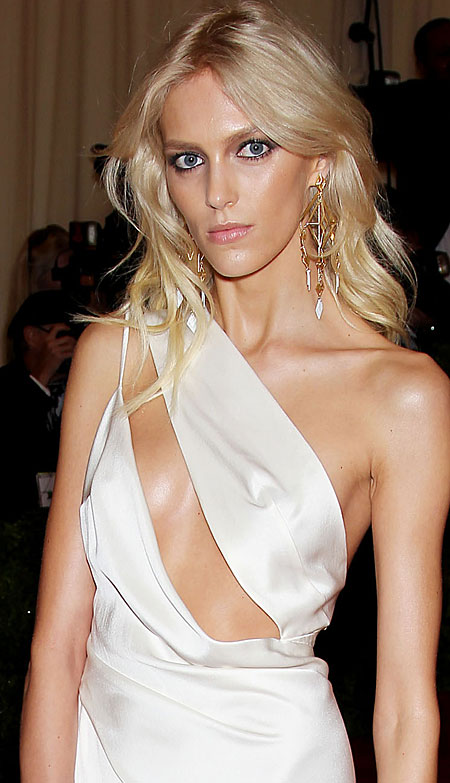 Photo:  Anja Rubik 05