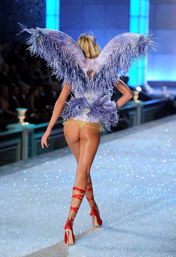 Photo:  Candice Swanepoel 03