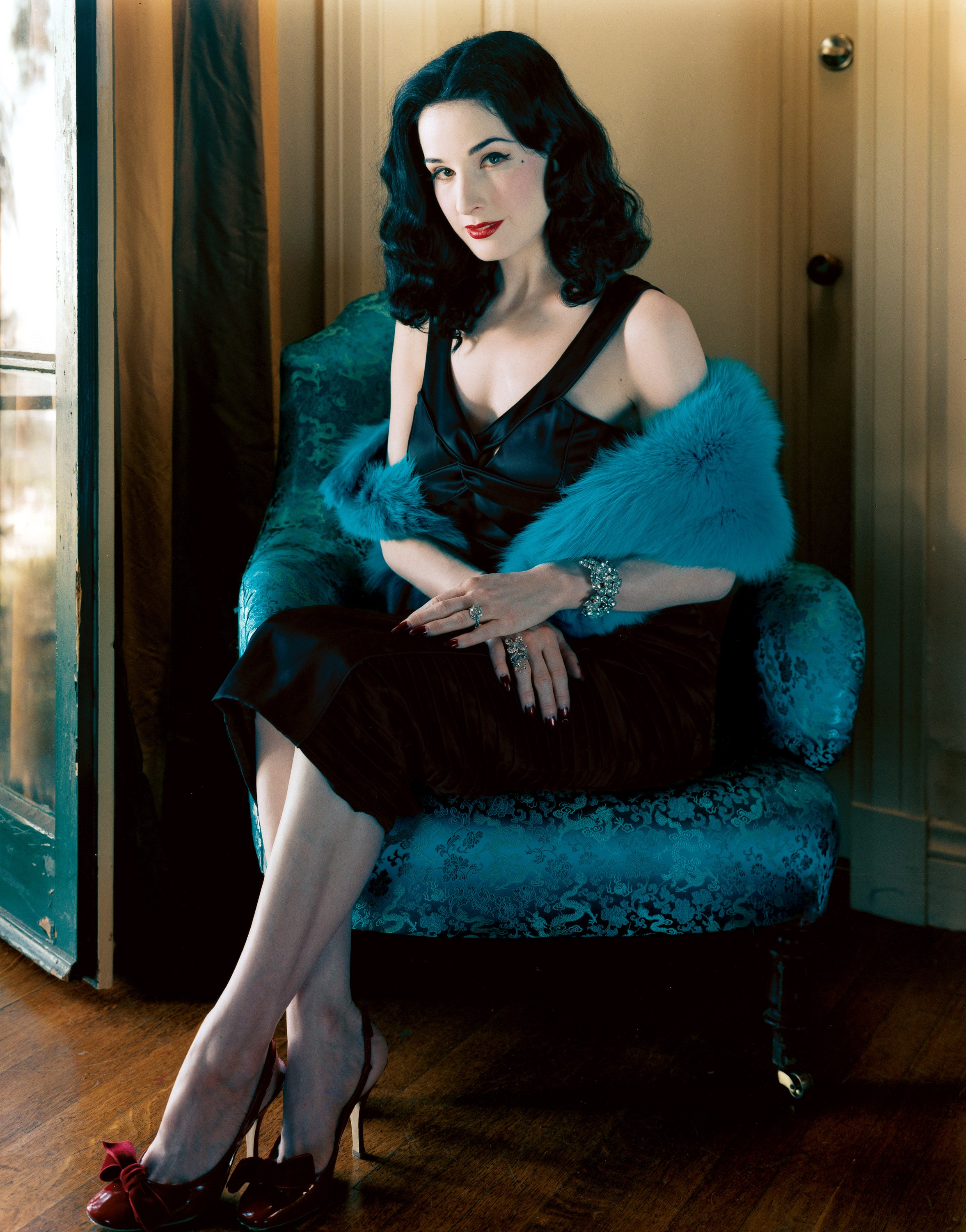 Photo:  Dita Von Teese 04