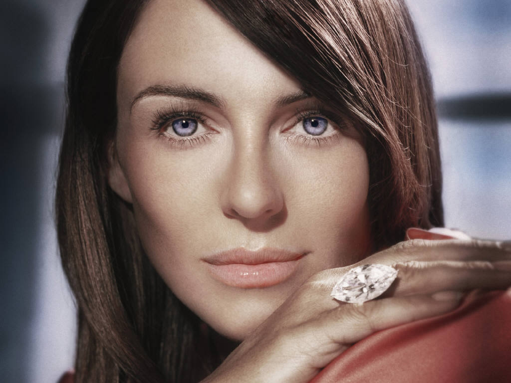 Photo:  Elizabeth Hurley 10