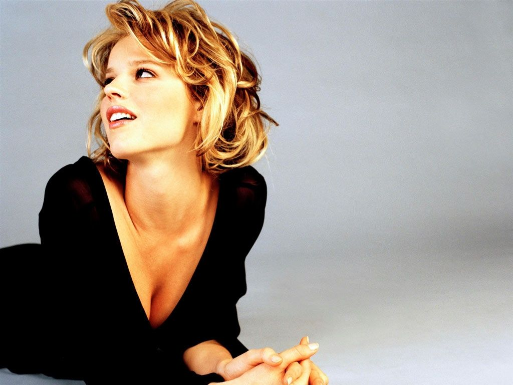 Photo:  Eva Herzigova 02
