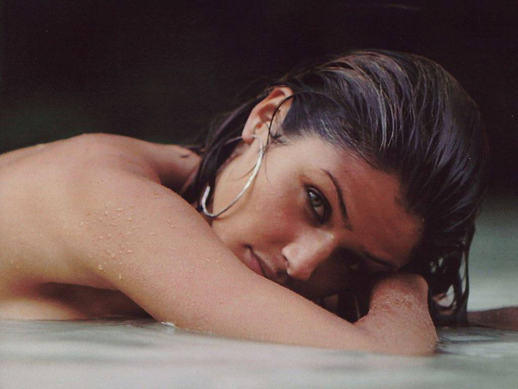 Photo:  Helena Christensen 10
