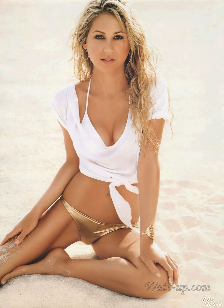 Photo:  Anna Kournikova 08