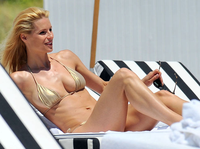 Photo:  Michelle Hunziker 08