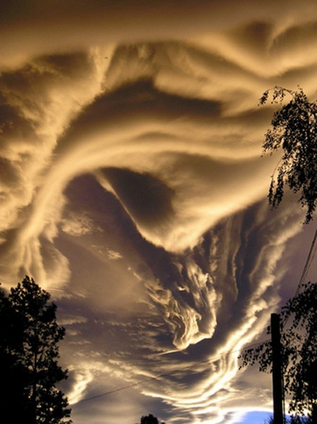 Photo:  Asperatus Clouds