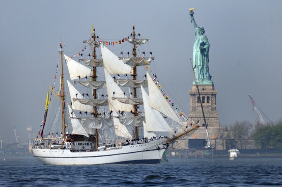 Photo:  Ecuadorian navy sail training ship BAE Guayas (BE 21)