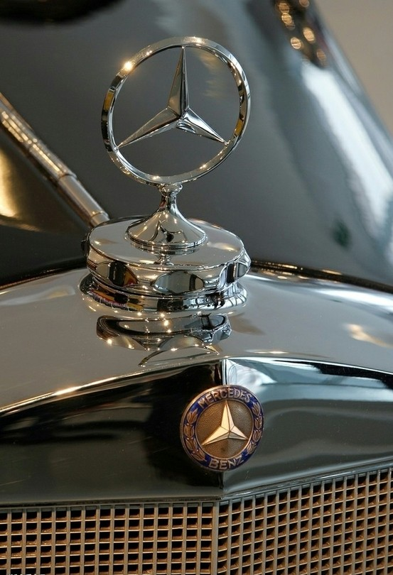 Photo:  detail_mercedes